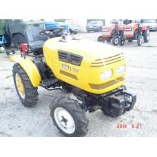 Минитрактор Jinma -164 самый маленький трактор из семейства JM, с номинальной мощностью — 16 л.с.